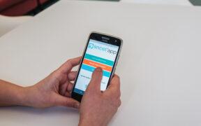 De nieuwe app Oncot'app bevat informatie over de orale anti-kankertherapieën die in de klinische zorg momenteel het meest relevant zijn. / © UZ Leuven