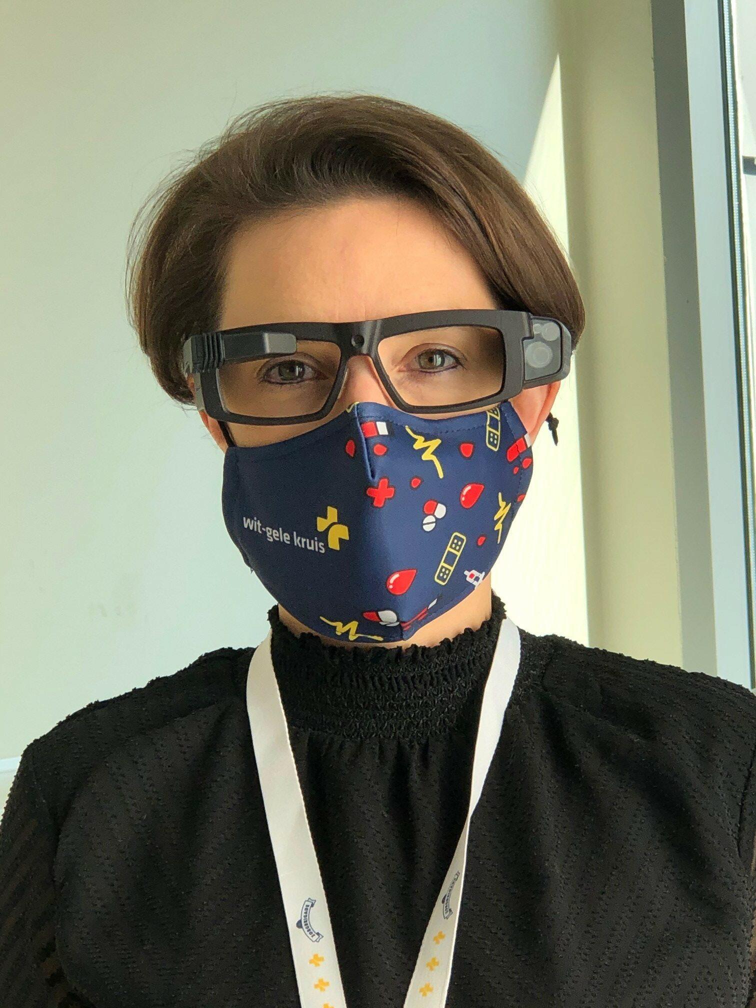nursing begeleidster Sharon Delabie heeft de Smart Glass opgezet